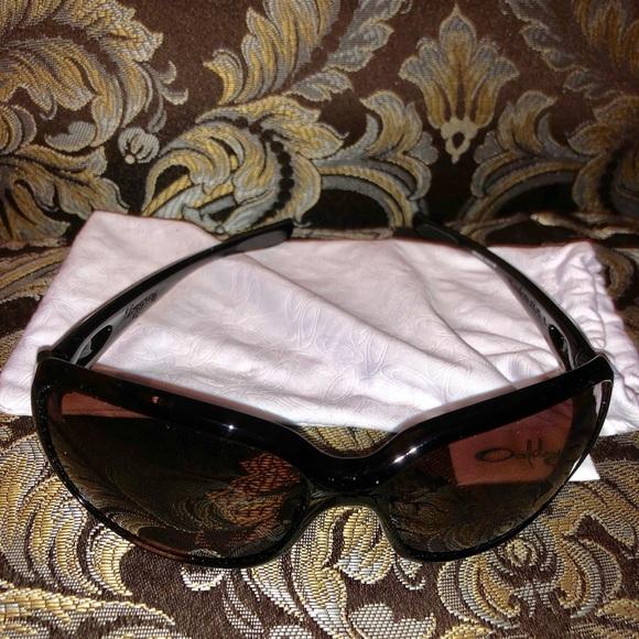 1e74ce55cdc NWOT black Polarized Oakley Urgency sunglasses. M 5bef80b512cd4adc757be608
